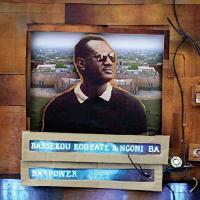 Ba power Bassekou Kouyaté, comp., ngoni Ngoni Ba, groupe voc. et instr.