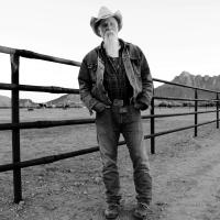 Keepin' the horse between me and the ground / Seasick Steve, comp., chant, guit.    Seasick Steve
