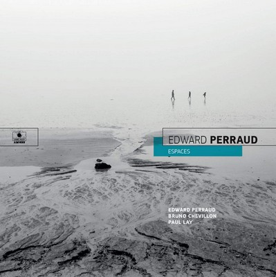 Espaces Edward Perraud, batterie, compositions Paul Lay, piano Bruno Chevillon, contrebasse