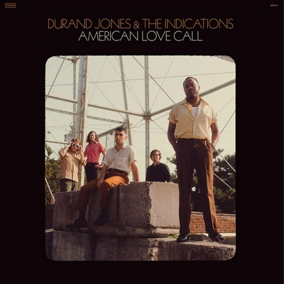 American love call Durand Jones & The Indications, groupe vocal et instrumental Durand Jones, chant, piano