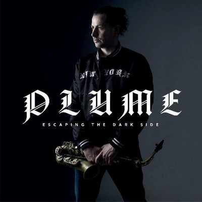 Escaping the dark side Plume, saxophone alto Ambrose Akinmusire, trompette Antoine Paganotti, batterie Leonardo Montana, piano Géraud Portal, contrebasse