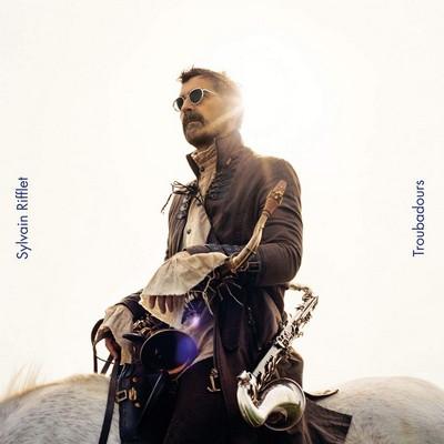 Troubadours Sylvain Rifflet, saxo. & clar. Benjamin Flament, perc. Verneri Pohjola, trp.