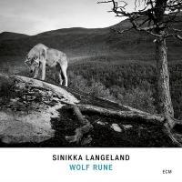Wolf rune / Sinikka Langeland |